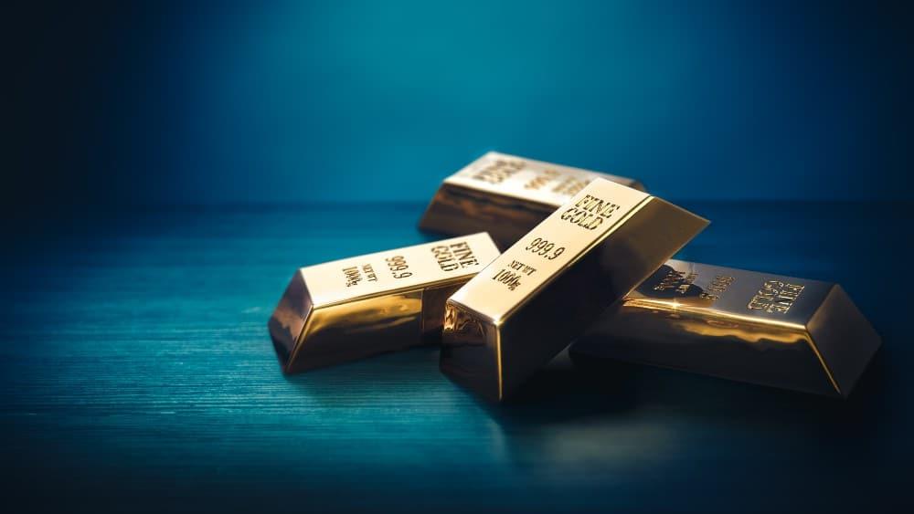 Warren Buffett: It's Time to Hedge: Buy Gold!