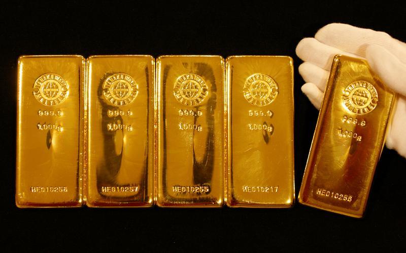 Gold fuels big banks' bumper profits as oil bonanza fades