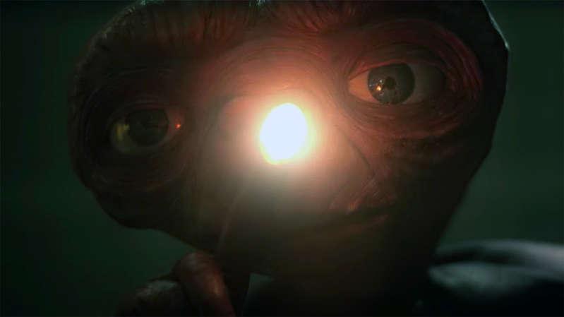 Guy on Rocks: Uranium — glowing in the dark